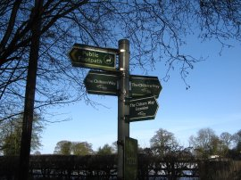 Chiltern Way signpost