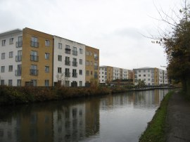 Grand Union Village, Northolt