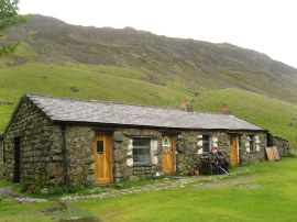 Black Sail Youth Hostel