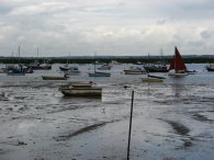 Sailing boats nr Mersea Fleet
